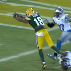 Green Bay Packers quarterback Aaron Rodgers finds wide receiver Randall Cobb again for TD