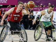 Australia has lost the final of the men&#39;s wheelchair basketball at the London Paralympics to Canada