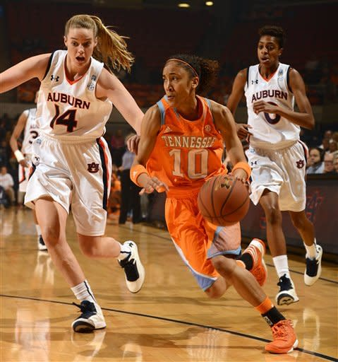 No. 9 Tennessee women beat Auburn 75-66