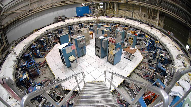 Scientists moving 15-ton magnet from NY to Chicago