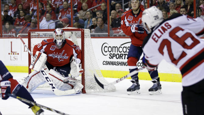 Ovechkin, Holtby help Capitals beat Devils, 6-2