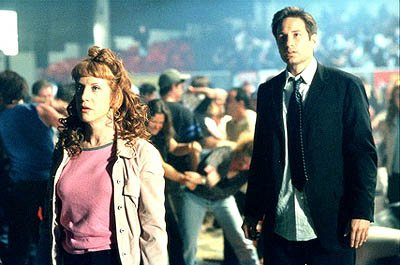 "Kathy Griffin (L) guest stars in the dual role of feuding sisters Betty Templeton and Lulu Pfeiffer with David Duchovny (R) as Fox Mulder in the ""Fight Club"" episode of Fox's The X-Files X-Files"