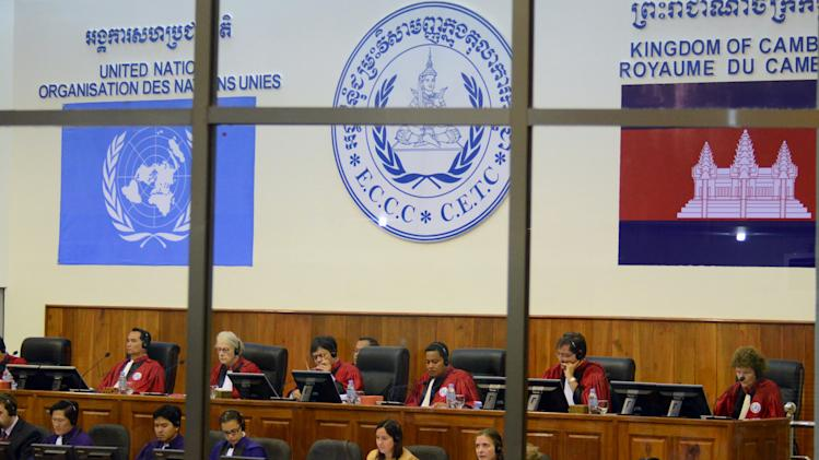 Cambodia Khmer Rouge tribunal staff go on strike
