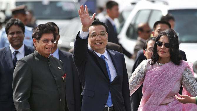 Chinese premier visits India to boost ties