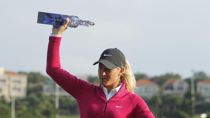 Pettersen closing in fast on LPGA awards
