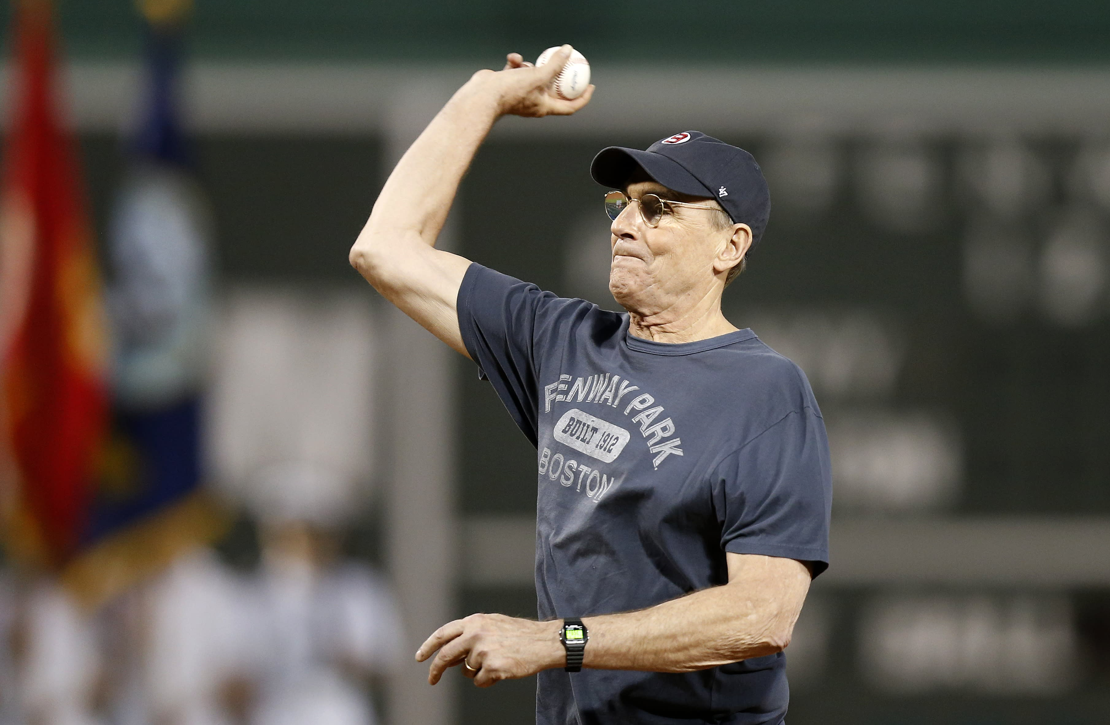 James Taylor debuts song about Red Sox-Yankees at Fenway