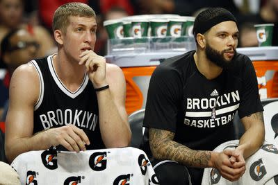 Kings pursuing trade for Deron Williams and Mason Plumlee, per report