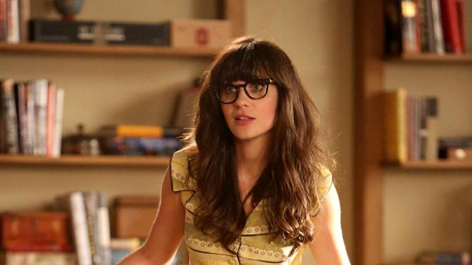 """FILE - This publicity file image released by FOX shows actress Zooey Deschanel in a scene from """"New Girl.""""  (AP Photo/FOX, file)"""