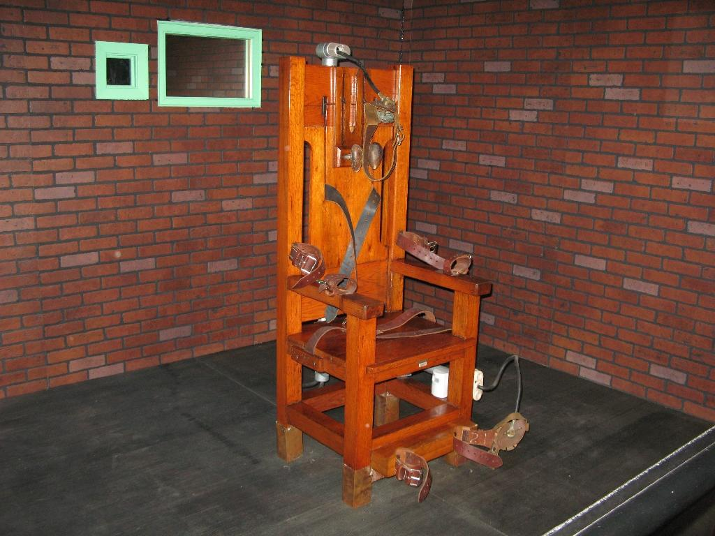 Tennessee brings back electric chair but suspends executions