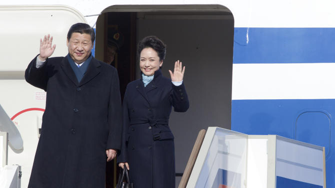 China's first lady sparks frenzy over local label