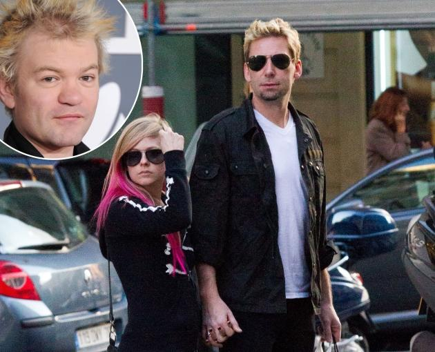 Nickelback frontman Chad Kroeger popped and Avril Lavigne in August 2012 / inset: Deryck Whibley -- Getty Images