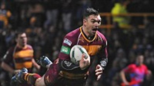 Danny Brough contributed 22 points as the Giants defeated Widnes
