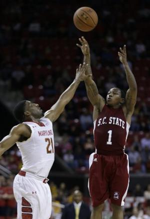 Len leads Maryland past South Carolina St. 61-46