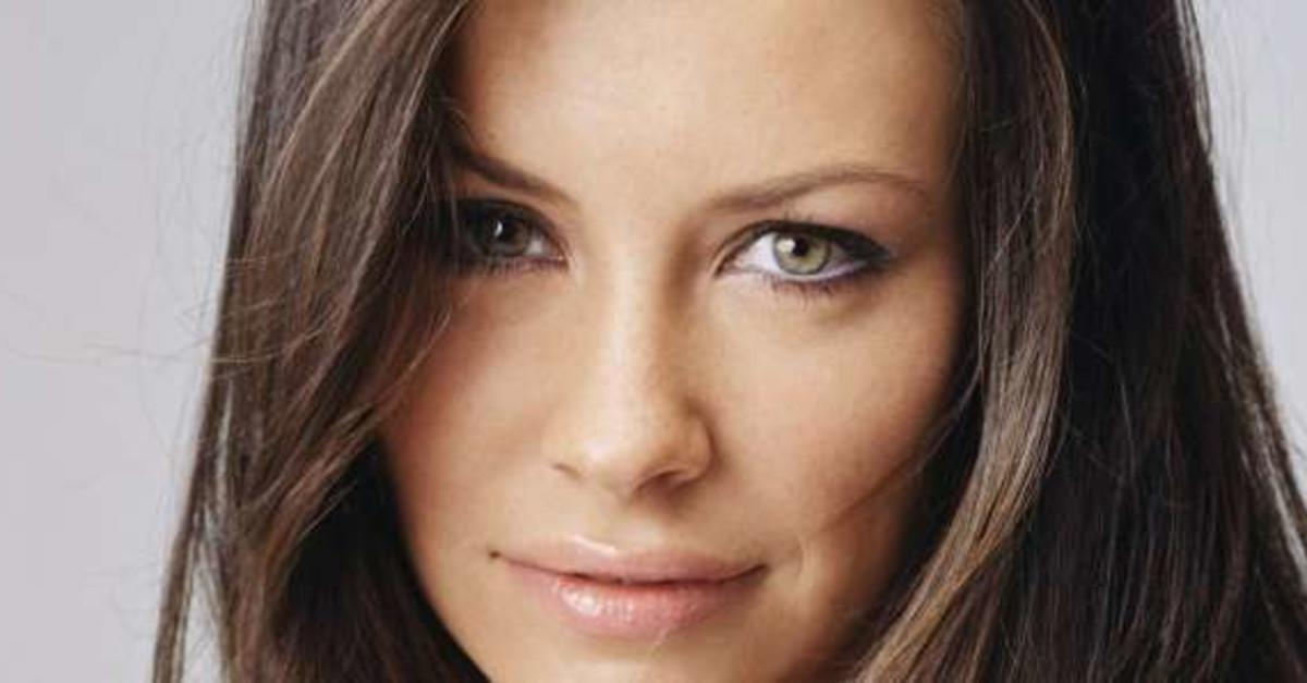 12 Actresses You Never Knew Were Canadian