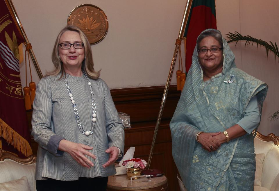 U.S. Secretary of State Hillary Clinton meets with Bangladesh Prime Minister, Sheikh Hasina, in Dhaka Saturday May 5, 2012.  (AP Photo/Shannon Stapleton, Pool)