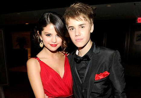 "Justin Bieber ""Hasn't Stopped Reaching Out"" to Selena Gomez"