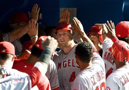 Trout tiebreaking homer lift Angels over Jays 10-6