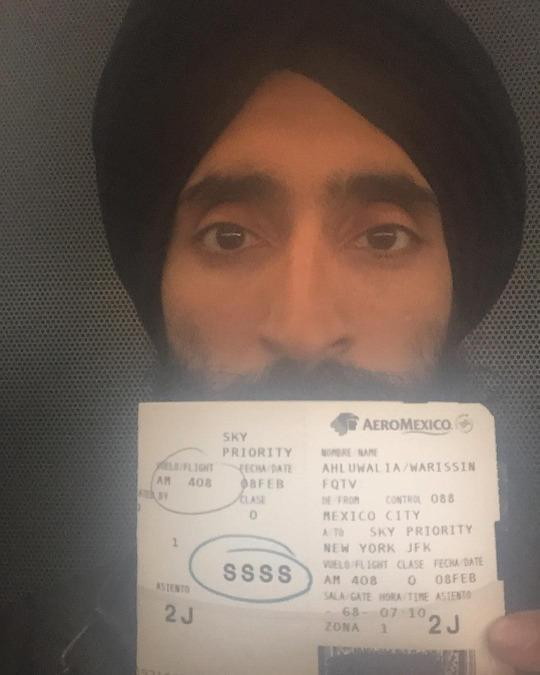 Actor Waris Ahluwalia Kicked Off Plane Because of Turban