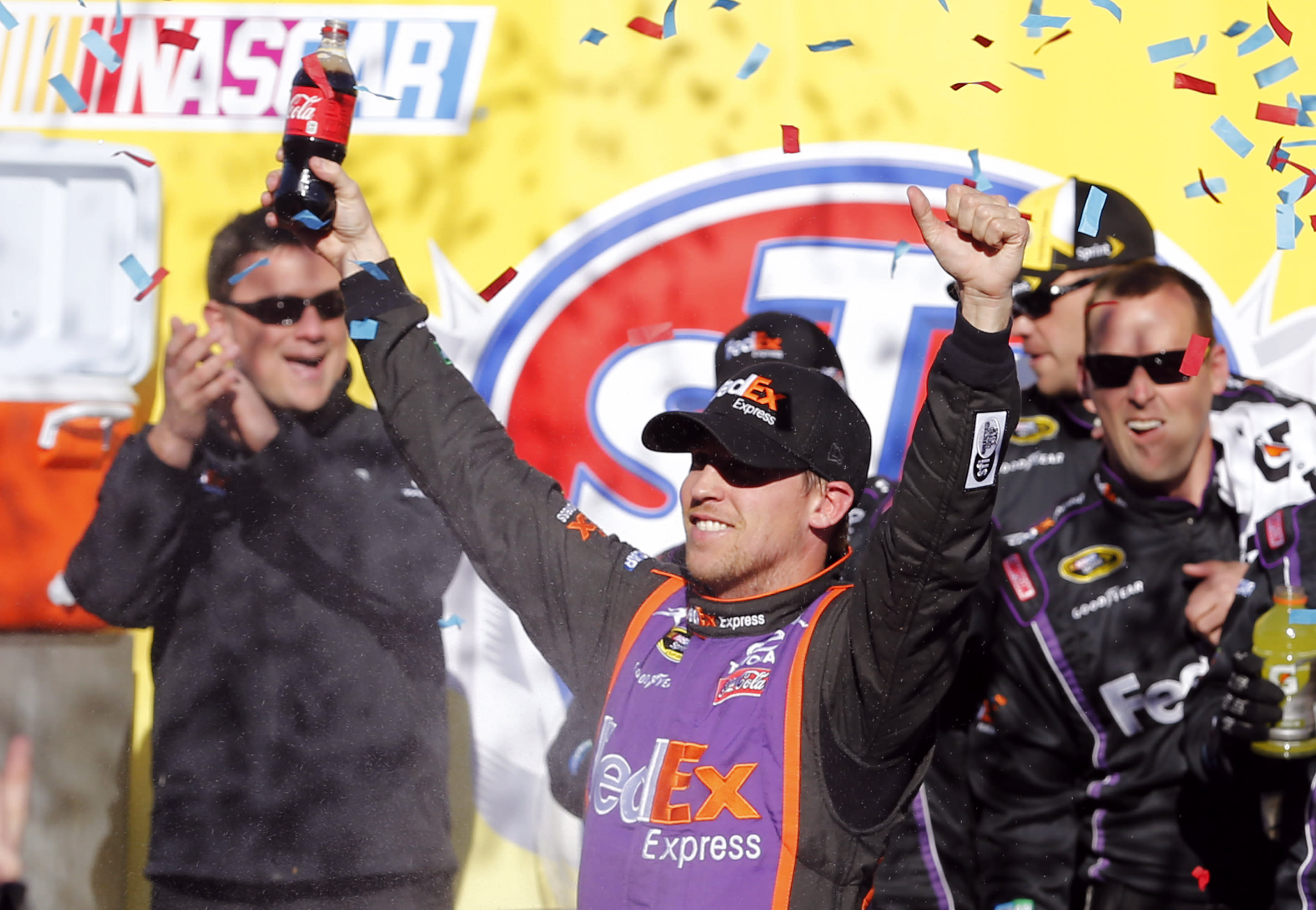 Denny Hamlin races to 25th Cup win, 5th at Martinsville
