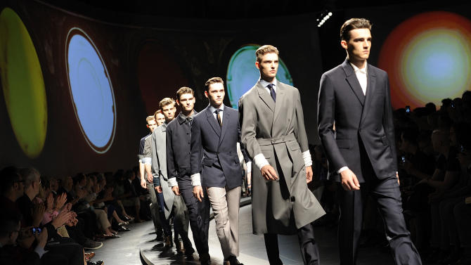 Models on parade at the end of Ermenegildo Zegna men's Spring-Summer 2014-15 collection part of the Milan Fashion Week, unveiled in Milan, Italy, Saturday, June 22, 2013. (AP Photo/Giuseppe Aresu)