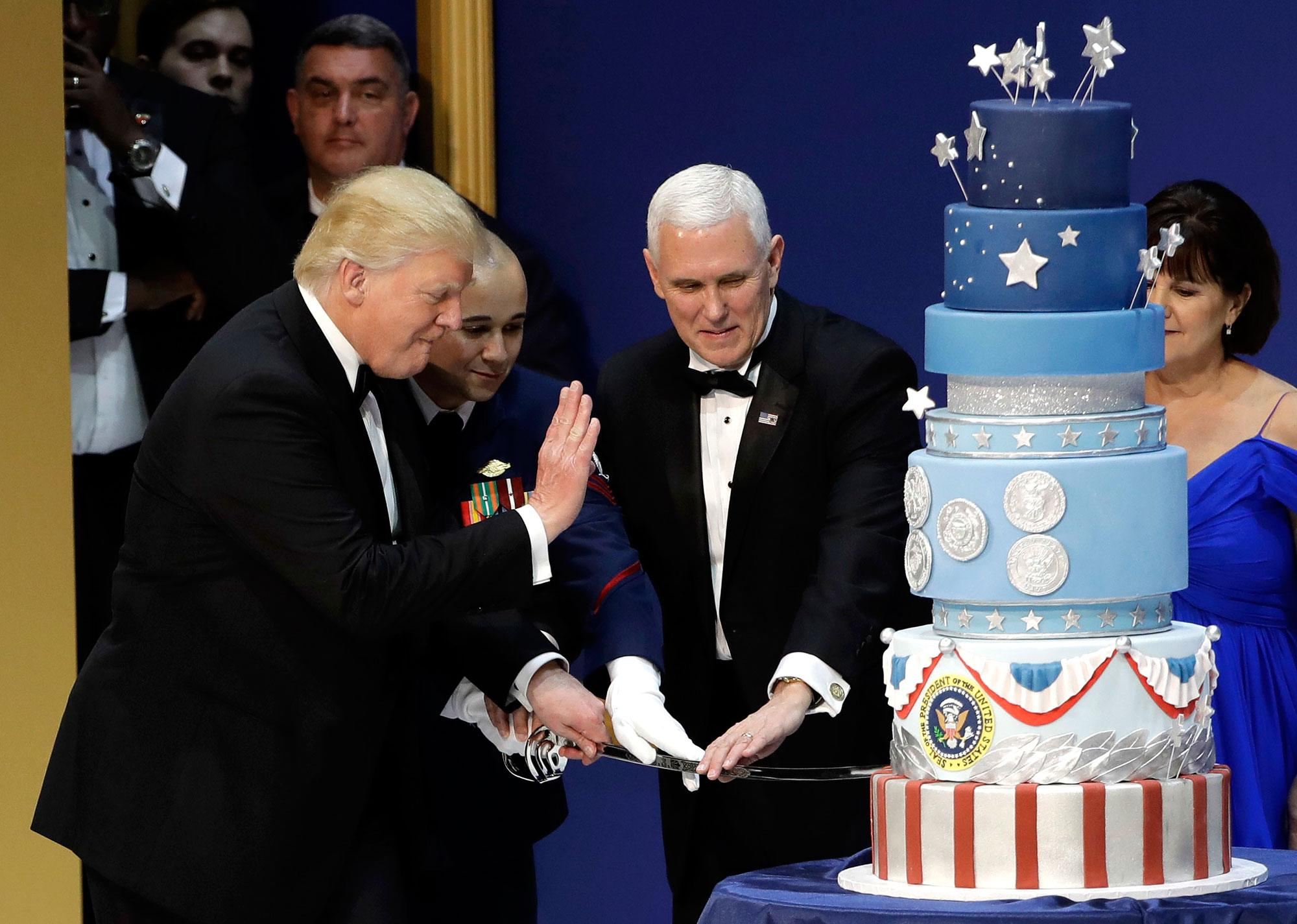 Did Donald Trump Plagiarize His Inauguration Cake? Obama's Baker Thinks So