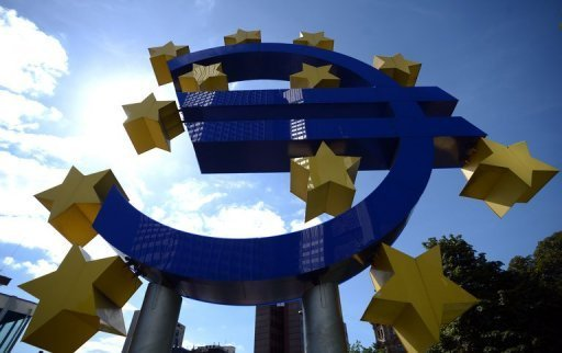 <p>A Euro logo in front of the headquarters of the European Central Bank (ECB) in Frankfurt, Germany on September 6, 2012. Bank lending to private households in the eurozone contracted again in November as the region's debt crisis continues to dampen demand for credit.</p>