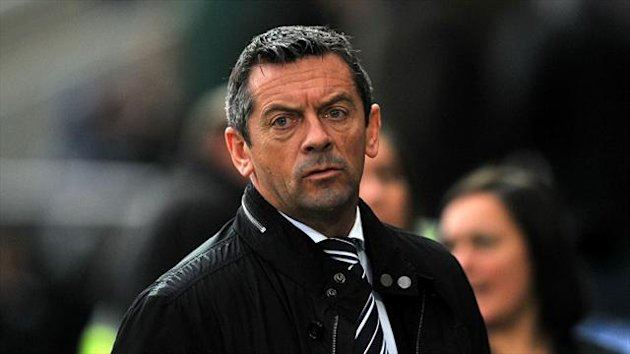 Southend manager Phil Brown has signed Senegal-born midfielder Bedsente Gomis