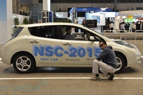Nissan unveils a self-driving car... not quite Knight Rider. Cars, Nissan, CEATEC2012 0