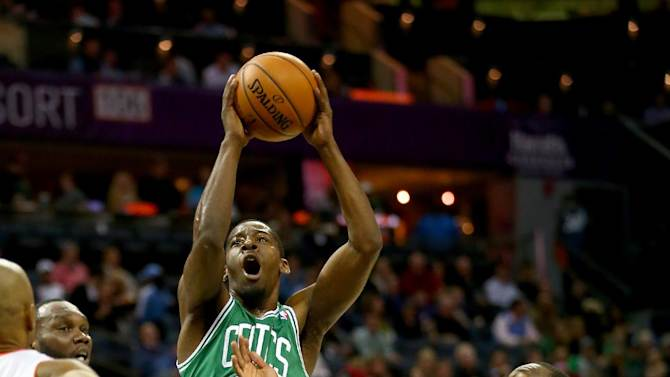 Boston's bench helps Celtics top Bobcats 96-86