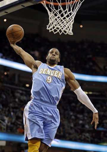 Nuggets win ninth straight, beat Cavaliers 111-103
