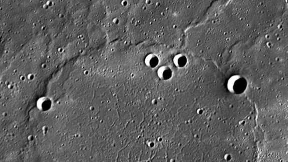 Mercury Photos Reveal Strange 'Pie Crust' Surface