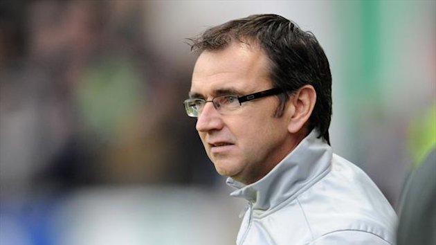 Pat Fenlon has told his Hibernian squad to relish playing at Parkhead