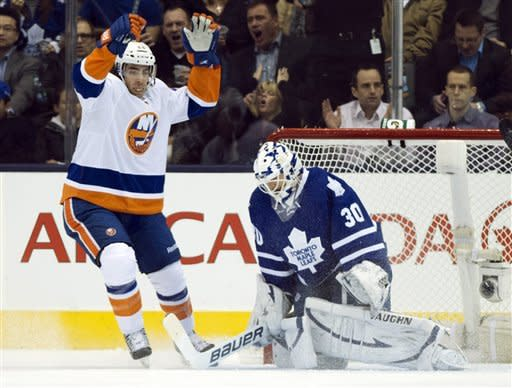 Moulson, Grabner rally Isles to win over Leafs