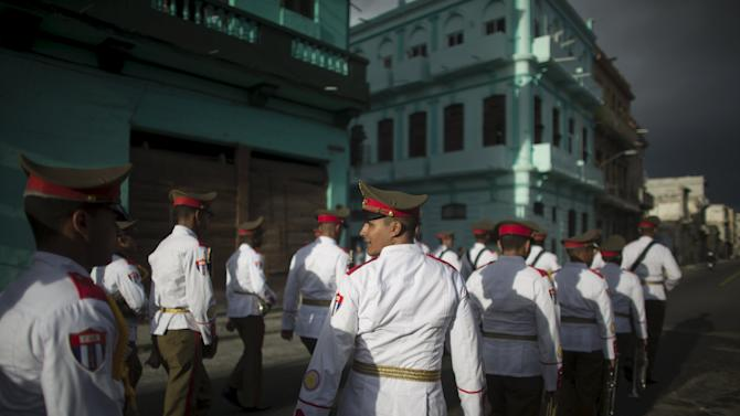 Cuban soldiers march during a ceremony in Havana