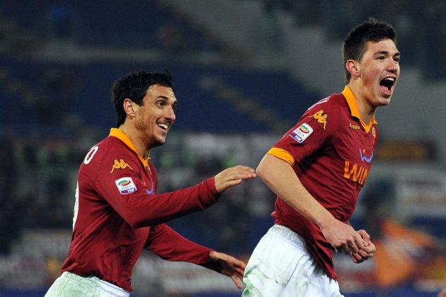 AS Roma's Romagnoli celebrates after scoring against Genoa in their Serie A soccer match at Olympic stadium in Rome