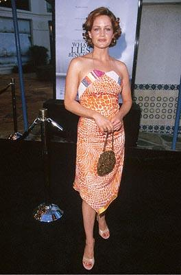 Premiere: Carla Gugino at the Mann's Village Theater premiere of Dreamworks' What Lies Beneath - 7/18/2000