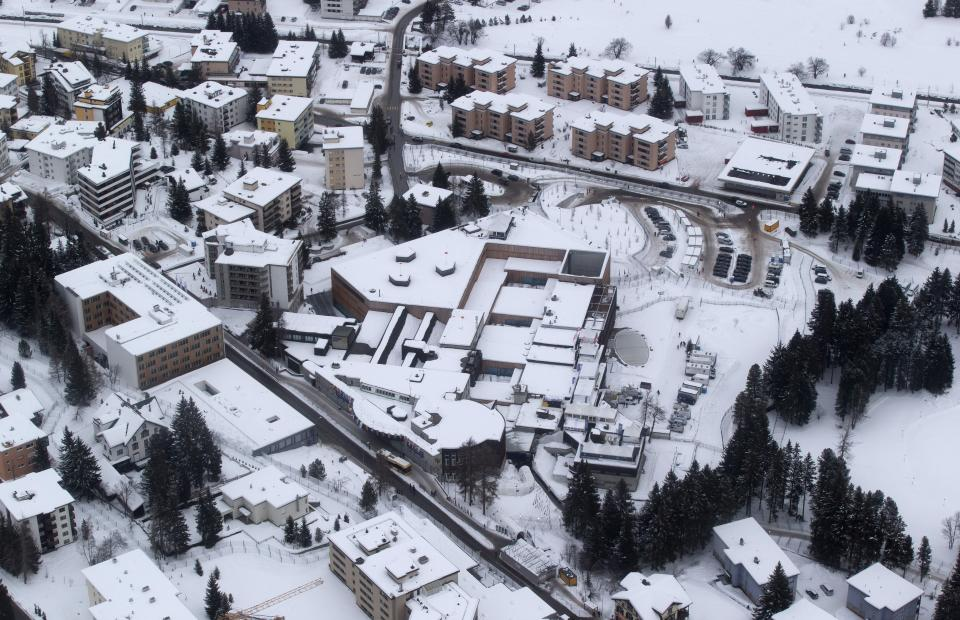 CEOs head to Davos more pessimistic about 2013