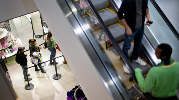US consumer spending up slight 0.2 percent