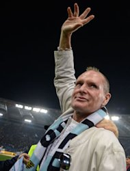 Pendukung Lazio Beri Penghormatan pada Gascoigne