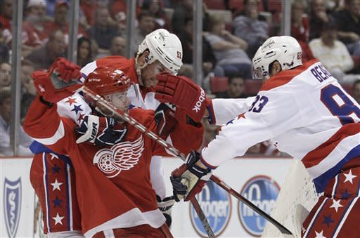 Ovechkin scores 2, Caps beat Wings 5-3