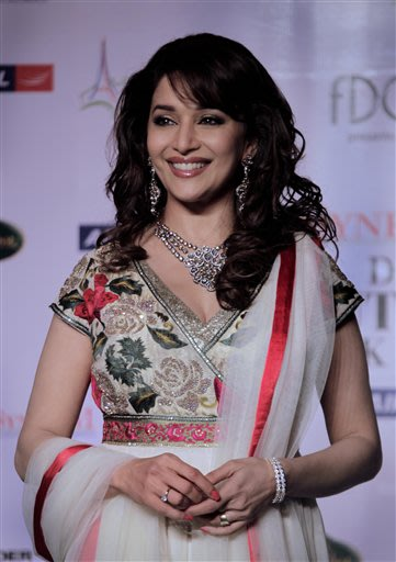 "AP11072206204 092555 - Madhuri Dixit Lifestyle Photos. ""Sheem Cant see"""