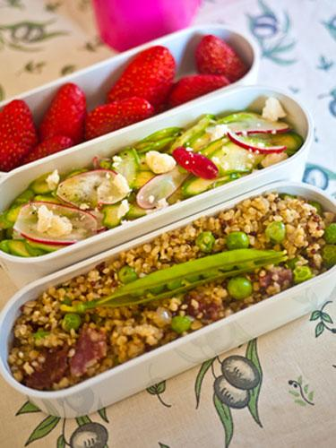 Asparagus salad and quinoa bento