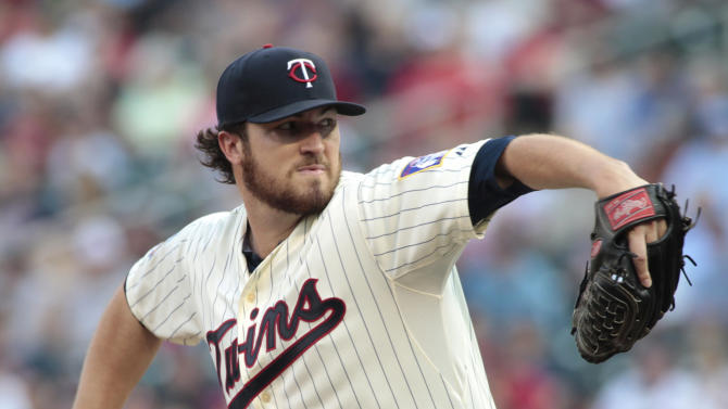 Hughes goes 7, Suzuki homers, Twins top Royals 4-1