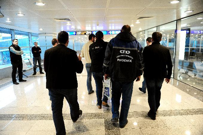 Turkey airport police hunt extremists en route to Syria