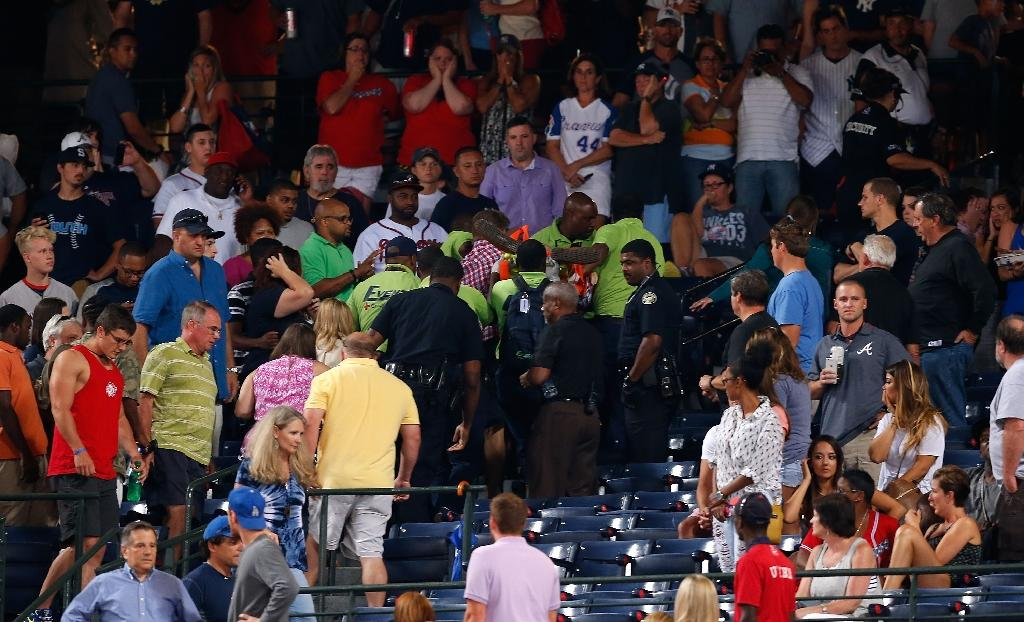 Fan dies in fall from upper deck at Braves stadium