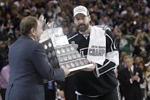 Justin Williams, the 2014 playoff MVP, says he relishes the challenge of winning consecutive Cups. (AP)