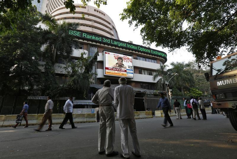 Sensex ends down over 1 percent, tracking lower Asia