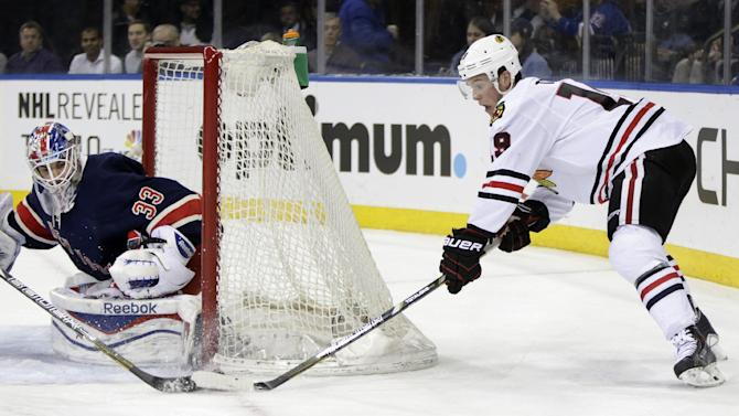 Hank who? Rangers' Talbot beats Chicago 2-1