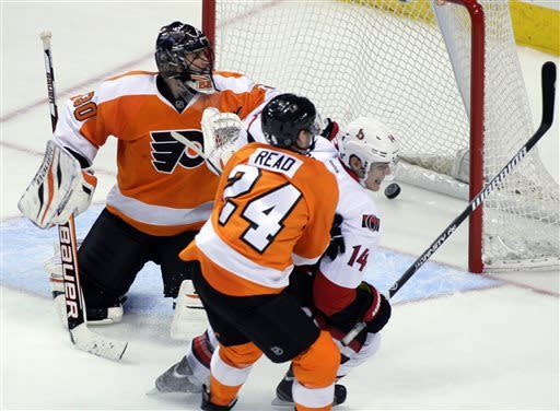 Greening lifts Senators past Flyers 3-1