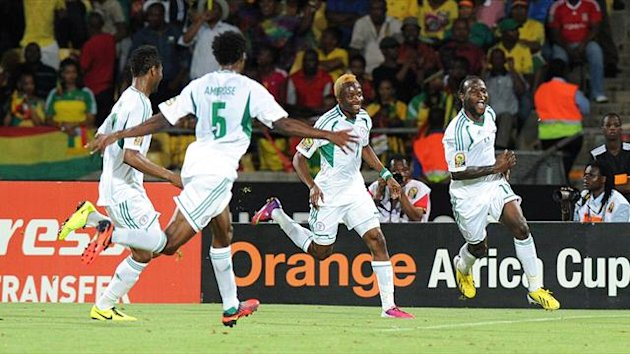 Nigeria midfielder Victor Moses (R) celebrates after scoring against Ethiopia on January 29, 2013 (AFP)